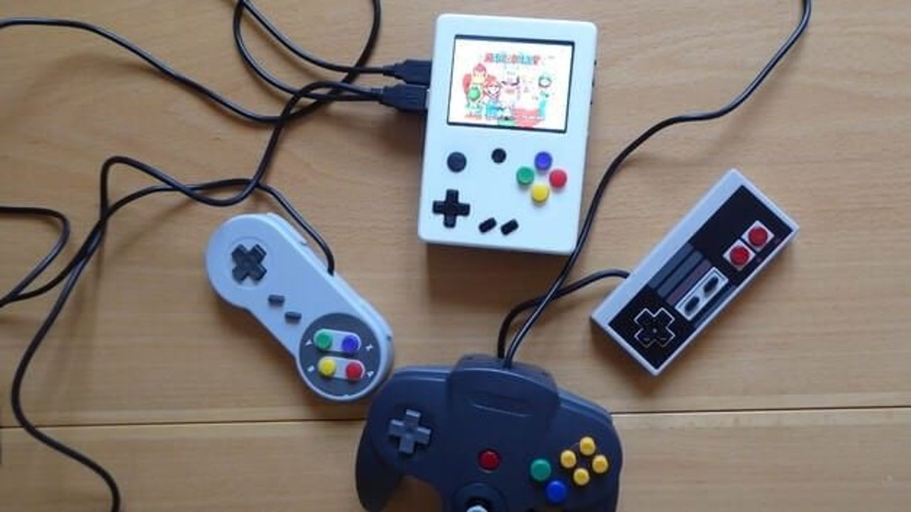 Featured image of 14 Year Old 3D Prints a Videogame Console