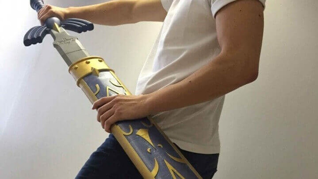 Featured image of 10 Epic 3D Printed Swords from Video Games and Movies