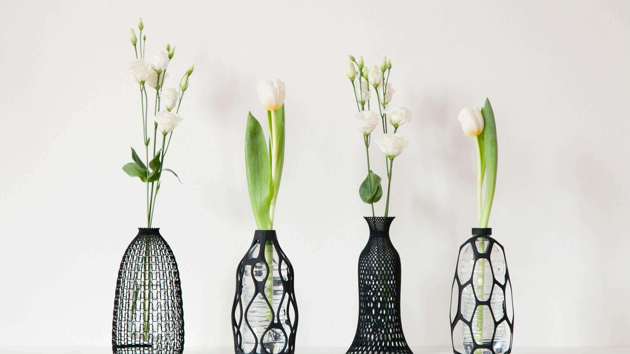 Featured image of 3D Printed Vase Promotes Plastic Bottle Recycling