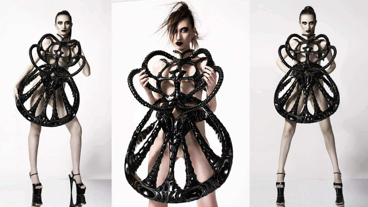 Featured image of Space-Inspired 3D Printed Vortex Dress Is From Another Planet