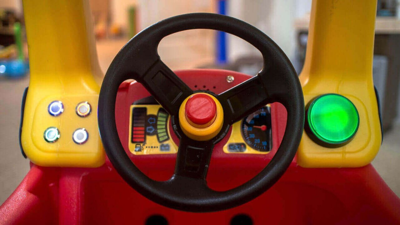 Featured image of Little Tike Cozy Coupe Customized with Arduino & 3D Printing