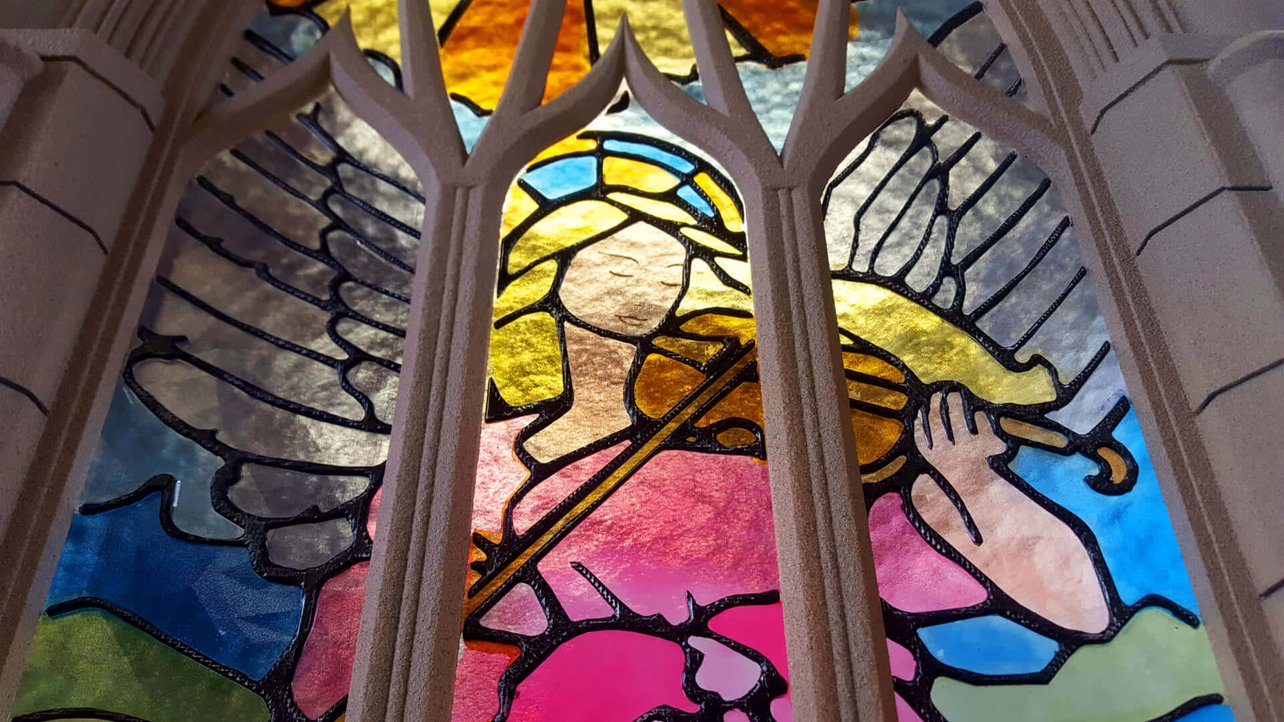 Featured image of Stunning Stained Glass Window is 3D Printed from Plastic
