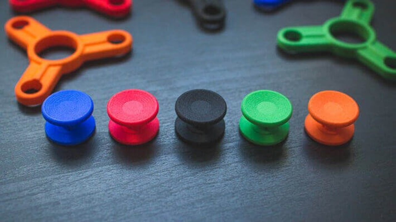 Featured image of The Best Fidget Spinner Caps & Cases to DIY