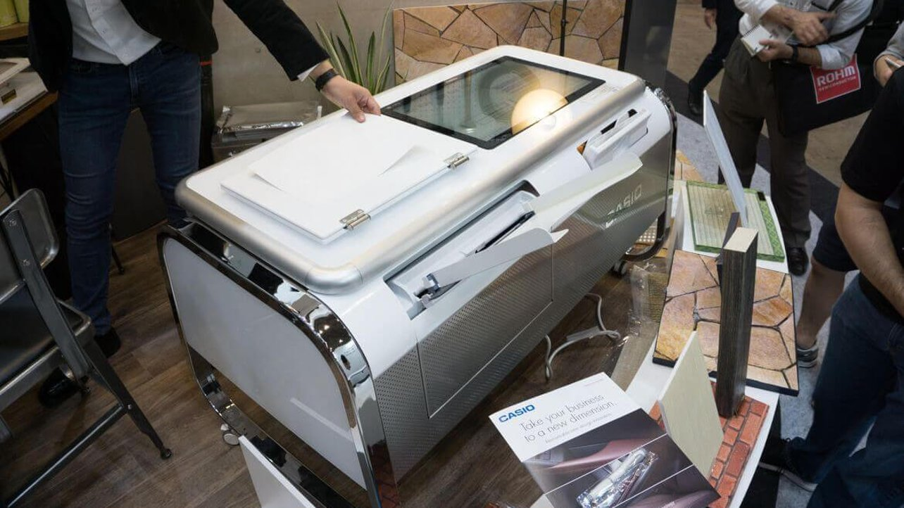 Featured image of Mofrel is a Fake Leather 2.5D Printer Made by Casio
