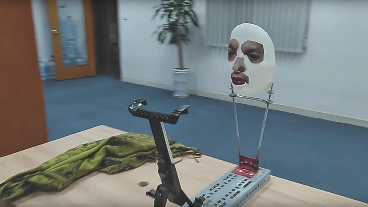 Featured image of Hackers Crack the iPhone X Face ID System With 3D Printed Mask