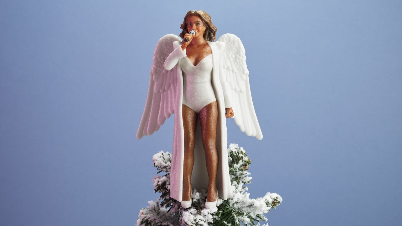 Featured image of Beyoncé, Hillary and Serena as 3D Printed Christmas Tree Toppers