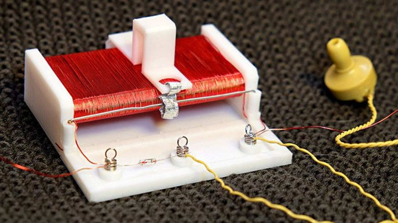 Featured image of Build a 3D Printed Crystal Radio Receiver from Household Items