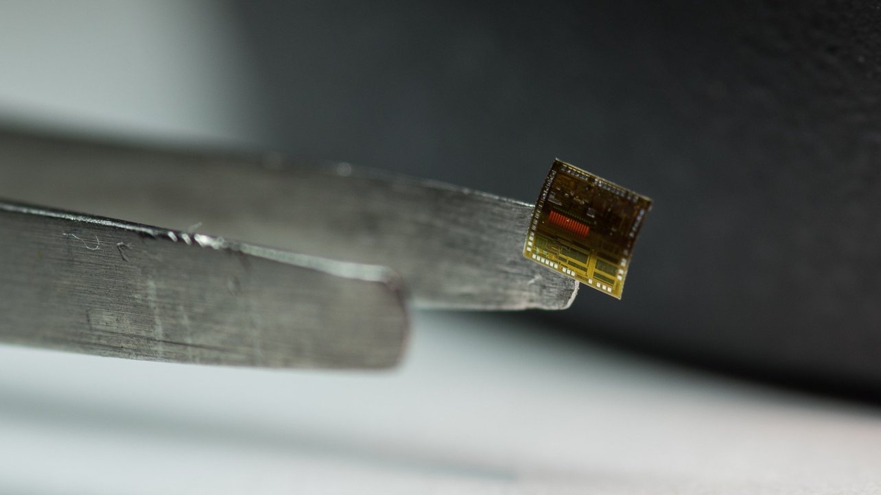 Featured image of New Flexible Silicon-on-Polymer Super Memory Chip Created with 3D Printing