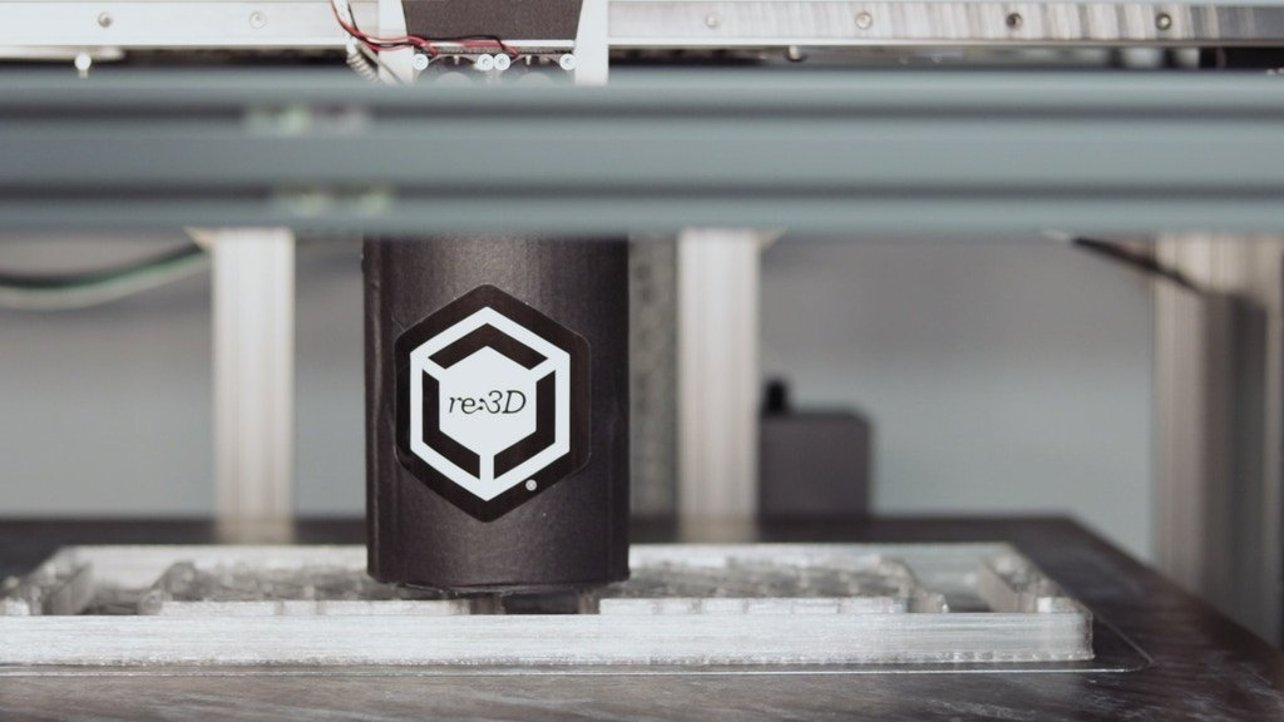 Featured image of Gigabot X can 3D Print with Recycled Plastic Pellets
