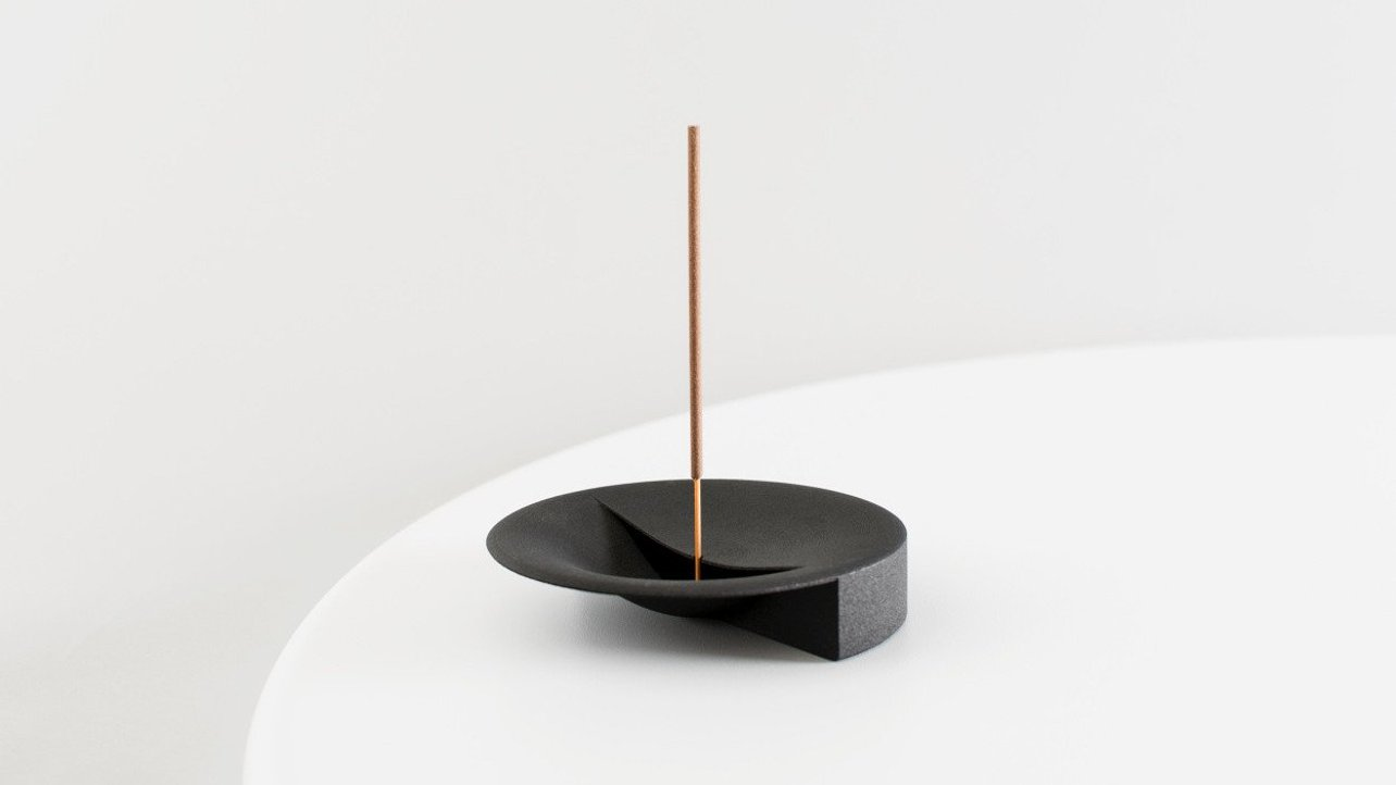Featured image of Scent Tray is a Beautiful 3D Printed Incense Holder and Ashtray