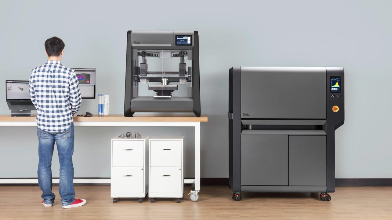 Image de l'en-tête de Desktop Metal Studio System – Zoom sur l'imprimante 3D métal