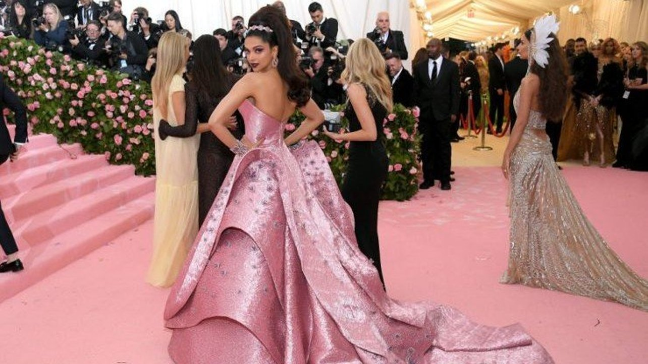 Featured image of Met Gala 2019: Check Out Zac Posen's Stunning 3D Printed Dresses