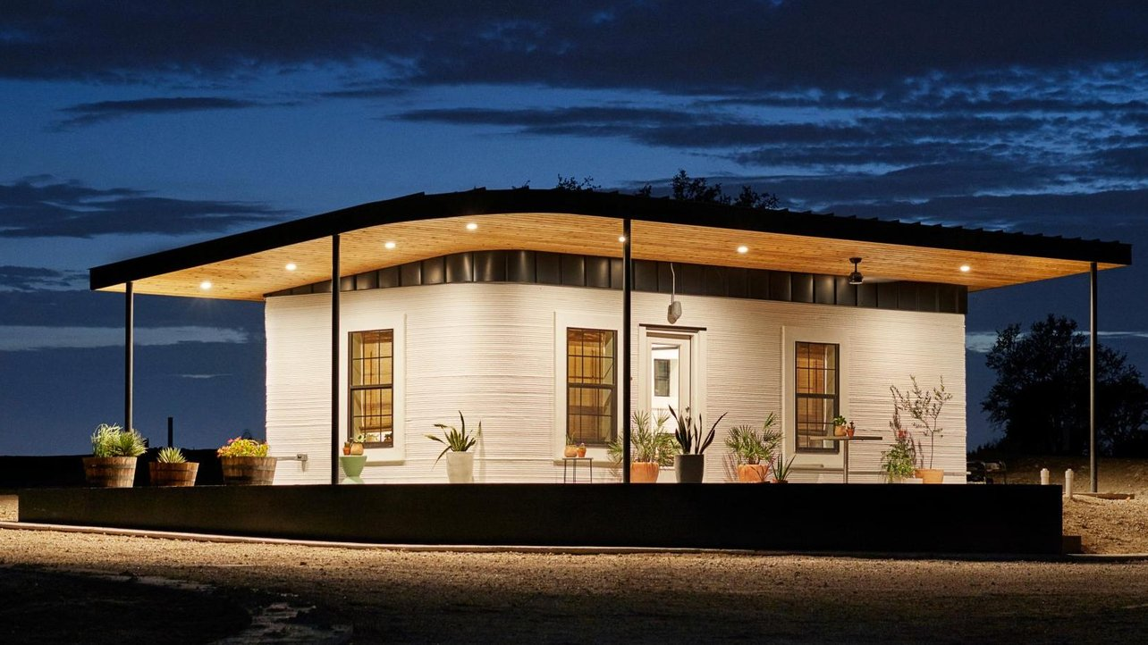 Featured image of 7 Biggest Companies Building 3D Printed Houses