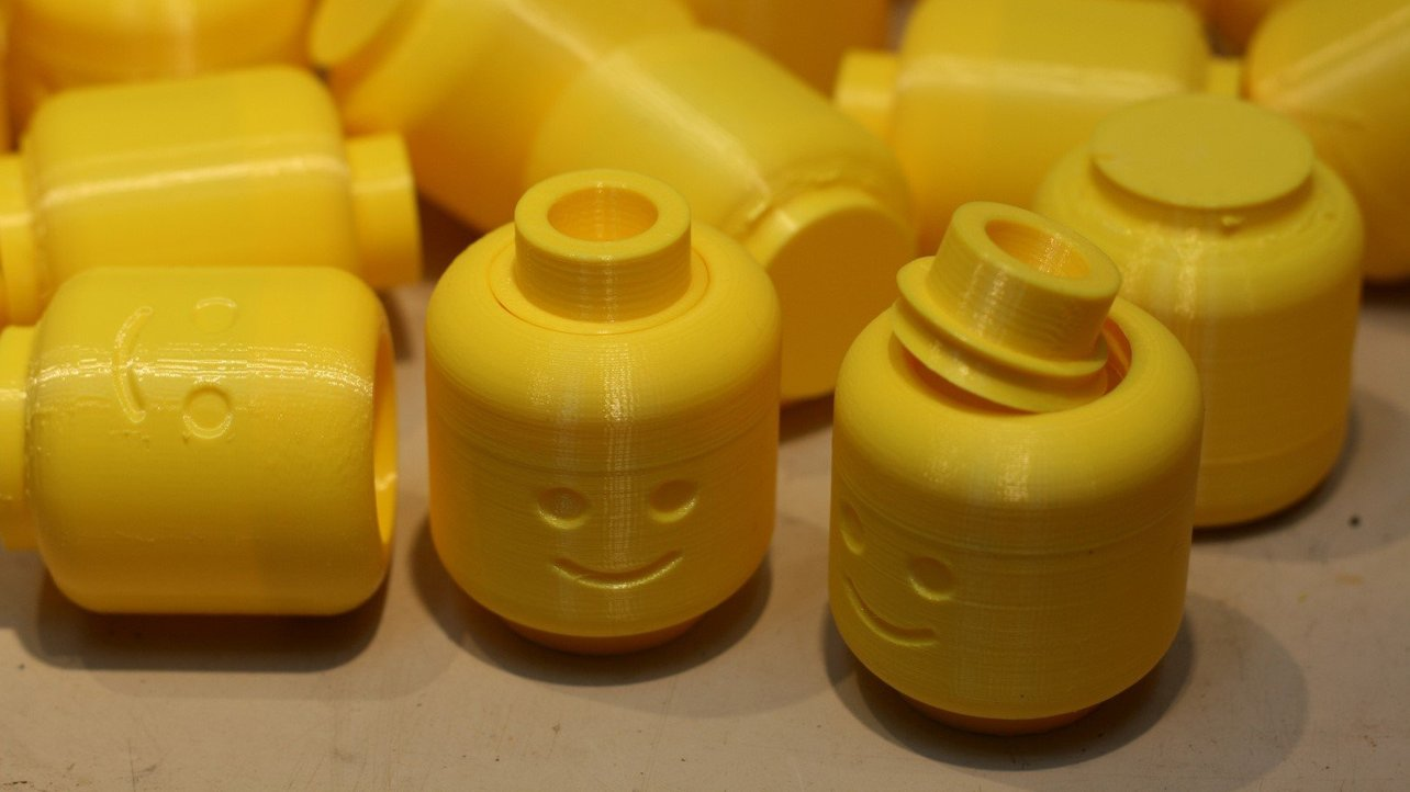 Featured image of 3D Print Lego: 25 Awesome Parts & Minifigs to 3D Print