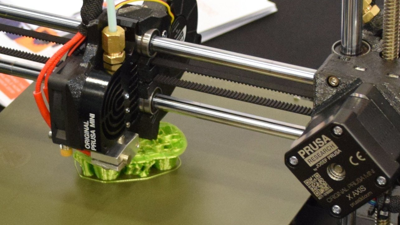 Featured image of Prusa Mini Extruder: All You Need to Know
