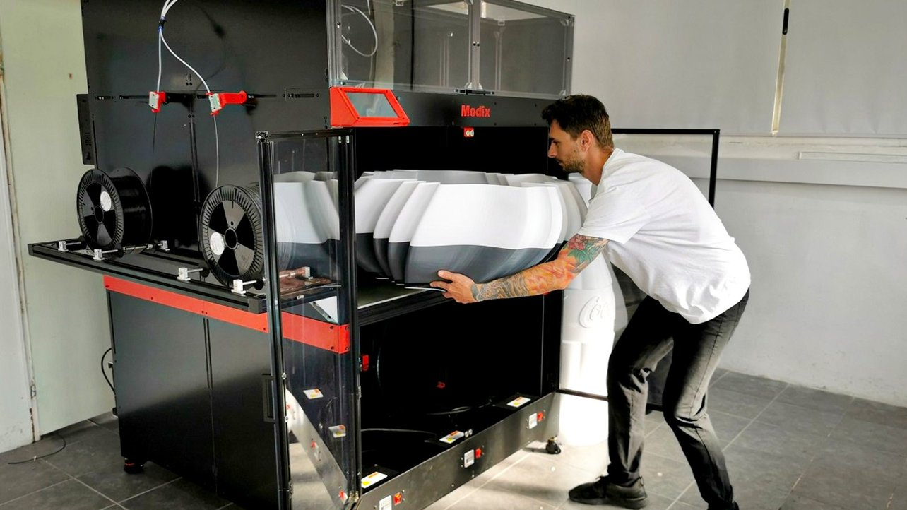 Featured image of Best Industrial Large-Format 3D Printers in 2021