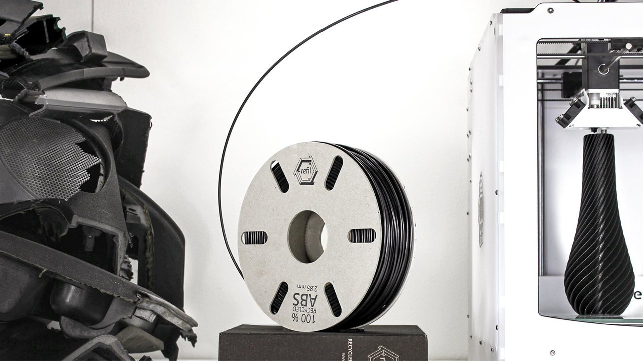 Featured image of Why Your Business Should 3D Print With Eco-Friendly Filament