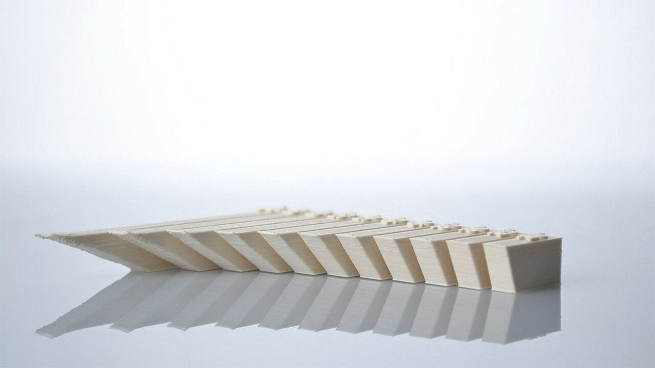 Featured image of 3D Printing Overhang: How to 3D Print Overhangs