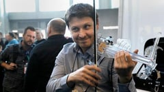 Featured image of Sleek 3D Printed Electric Violin Steals the Spotlight at NAMM Musical Instrument Show