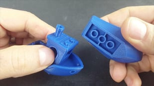 Featured image of Popular 3D Printer Torture Test Benchy is LEGO-Compatible Now
