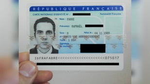 Featured image of 3D Rendering a Fake Image for a French Photo ID
