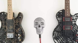 Featured image of Rock Out with a Skull-Themed 3D Printed Microphone Casing