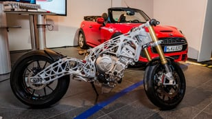 Featured image of Futuristic Metal 3D Printed Motorcycle Frame Teased by BMW