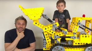 Featured image of YouTuber Creates a Giant Classic LEGO Bulldozer Kit from 1979