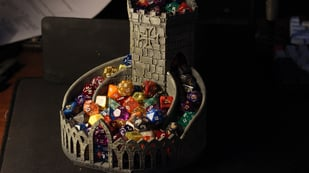 Featured image of 3D Printed Dice Tower: 25+ Models for Tabletop Games