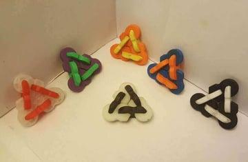 Image of Great DIY Fidget Toys & Fidget Spinner Alternatives: Fidget Widget