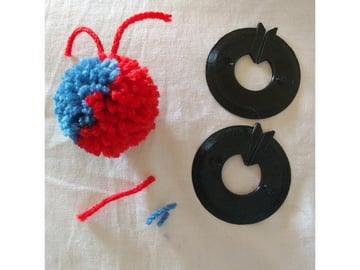 Image of Easy & Fun Things to 3D Print in an Hour (or Less): Pom Pom Maker