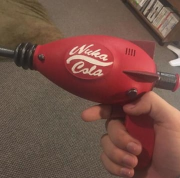 Image of Fallout Props & Toys to 3D Print: Fallout 4 - Nuka Cola Pistol