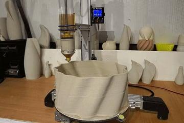 Producing ceramics using 3D printing.