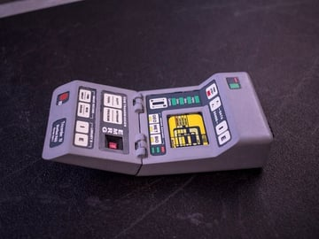 Image of: 1. TNG Science Tricorder