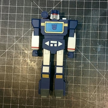 This Soudwave model would look impressive in any Autobot or Decepticon display