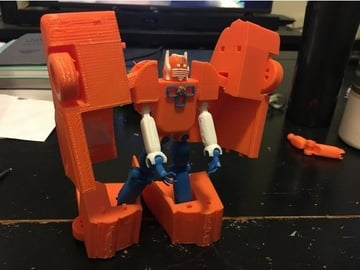 This model uses ball joints that snap together, so assembly should be a cinch