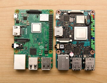 The Tinker Board S (right) next to the Raspberry Pi 3 B+ (left)