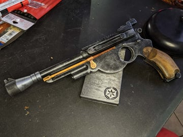 The Mandalorian blaster is a perfect weapon for getting out of tight spots