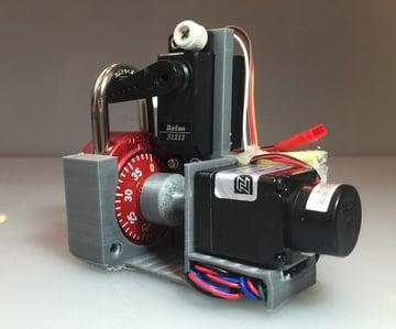 The automatic combination lock breaker