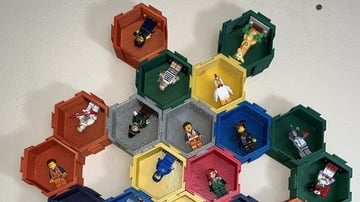 The hexagonal display is perfect for showing off your minifigure collection