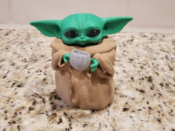 A Baby Yoda mutlicolor remix of scolarijulio's origional