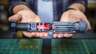 Featured image of Star Wars Lightsaber: This 3D Printed Lightsaber is Insanely Detailed