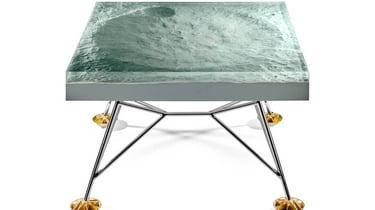 Featured image of Amazing Apollo 11 Table Shows Accurate 3D Model of the Moon's Surface