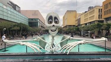 Imagen principal de Esqueleto gigante impreso en 3D para el Festival de las Luces en México