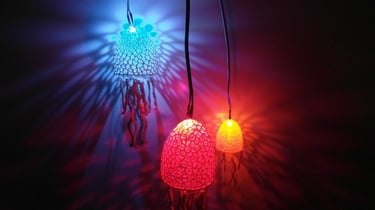 Featured image of [Project] 3D Print These Seaworthy Voronoi Jellyfish Lights