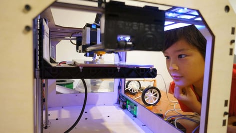 Featured image of 3D Printing for Kids: 10 Simple 3D Printer Projects for Children