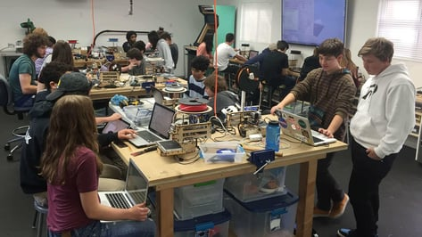 Featured image of Oakwood School Lets Students Build Printrbots