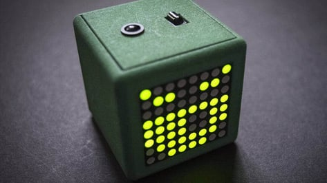 Featured image of Adafriend is a Virtual Pet Cube for Maker