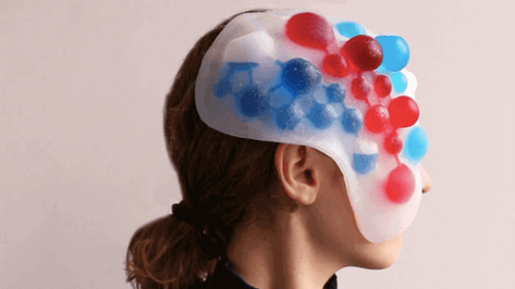 Featured image of 3D Printed Mask Changes Color According to How You're Feeling