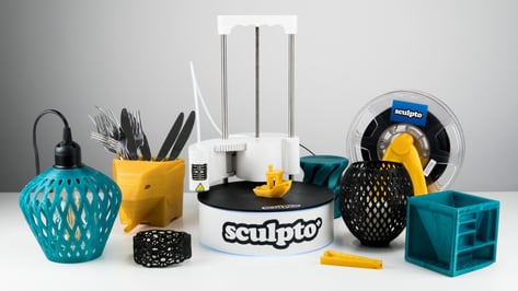 Featured image of Sculpto+ (Plus) 3D Printer Review: Swiveling out of the Norm